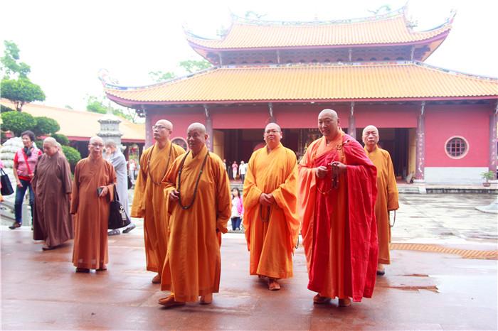 台湾中国佛教会理事长圆宗长老一行莅临梵天寺参观