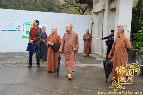 市民宗局与市佛协联合深入寺院开展节前安全走访检查