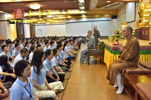 中华佛教文化博大精深 两岸青年体验信仰追求